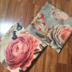 2 floral pillow covers